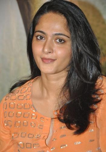 Anushka Shetty Without Makeup Picture, Anushka Shetty