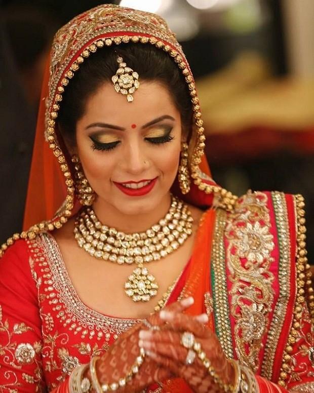 Top 10 Most Beautiful Indian Bridal Sarees Looks - Yabibo.com