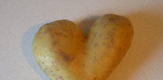 Get rid of Tan with Potato Peel