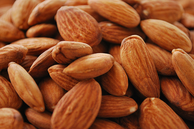 Almonds can help to lose weight