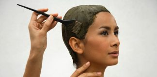 Top 4 homemade hair packs to cover a grey string