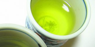 Six reasons to start a day with a cup of green tea