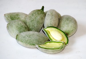 Green almonds 300x208 - Almonds can help to lose weight