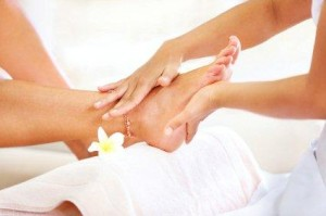 iStock 000018935586XSmall 300x199 - Summer hand and foot care tips