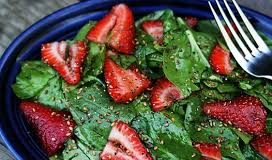 Healthy strawberry and lettuce salad for weight loss
