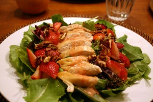 strawberry spinach salad recipe 1 Copy 300x200 - Healthy strawberry and lettuce salad for weight loss