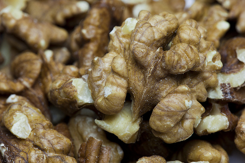 beauty benefits of walnut oil