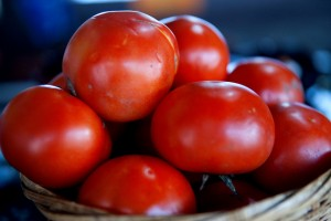 Tomato packs for Sun Protection and glowing skin