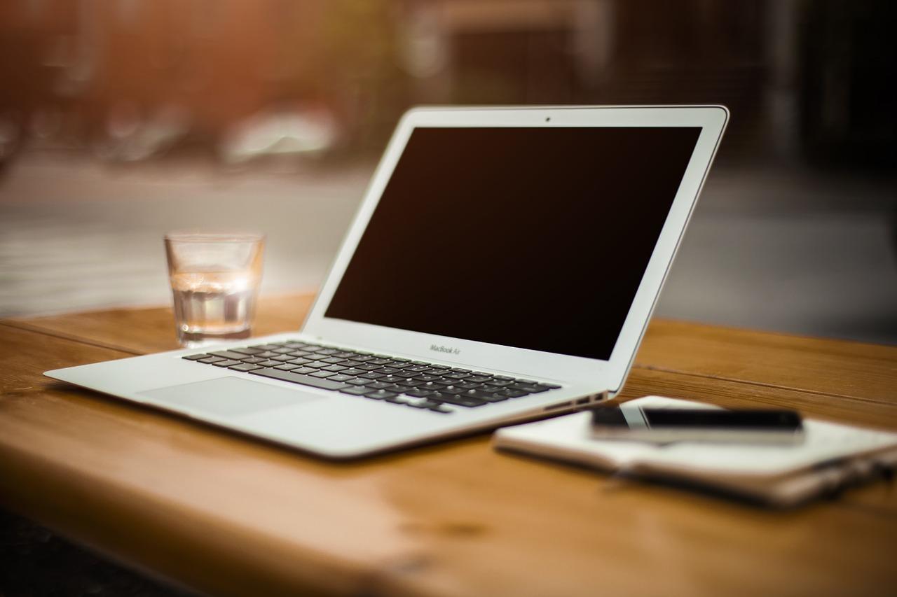 10 health hacks for workaholics