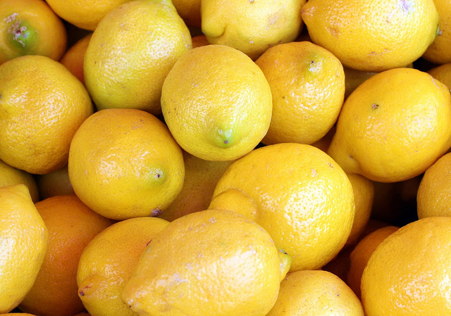 7 Ways To Use Lemon for Glowing Skin