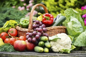 3 fruitsandveggies iStock thinkstock 300x200 - 6 Diet Myths That You Never Knew