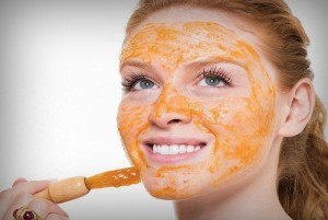 turmeric tomato juice rice powder face pack 300x201 - Steps To Apply Tomato On Face