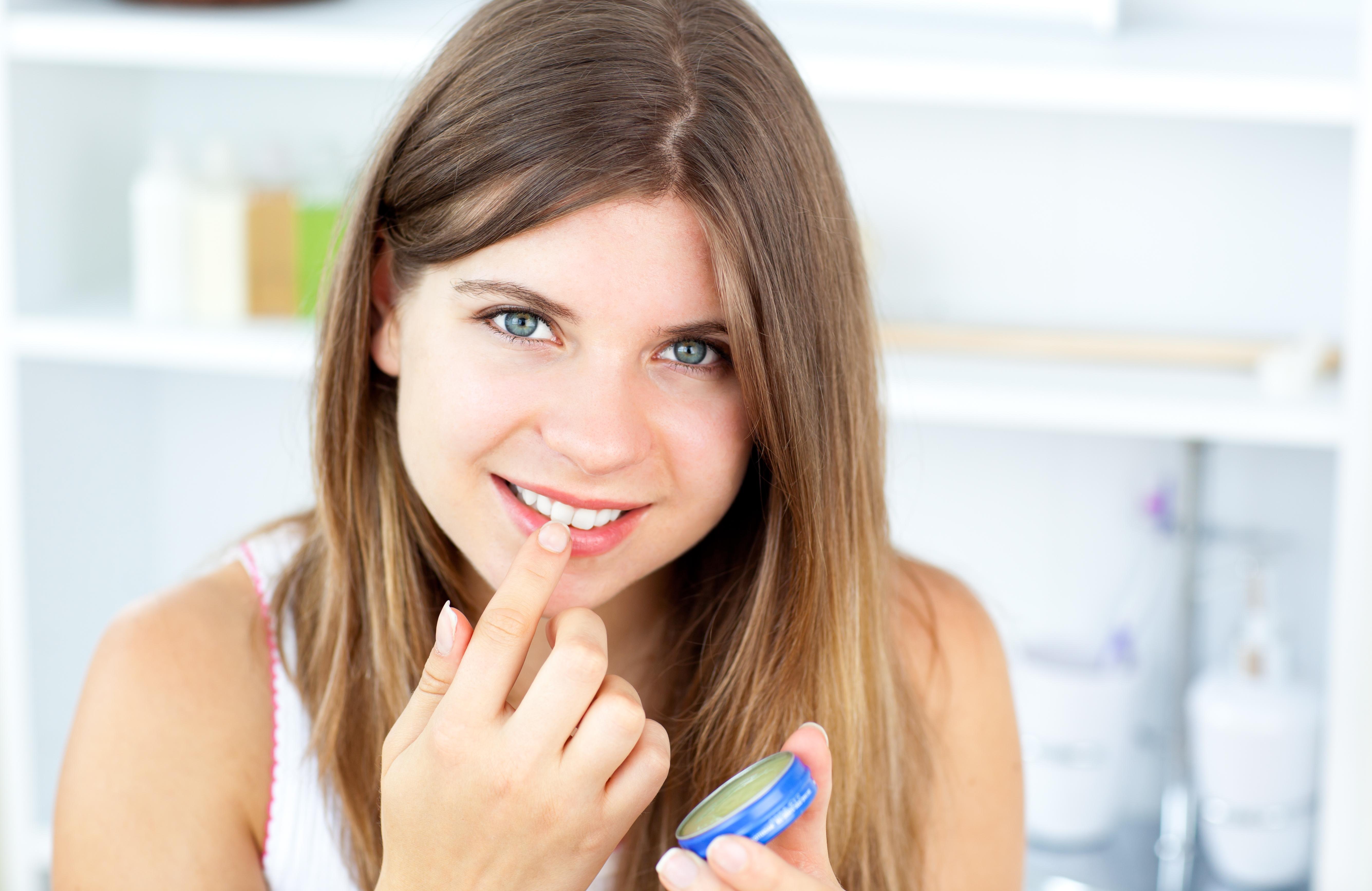 10 Best Uses of Vaseline for Men and Women