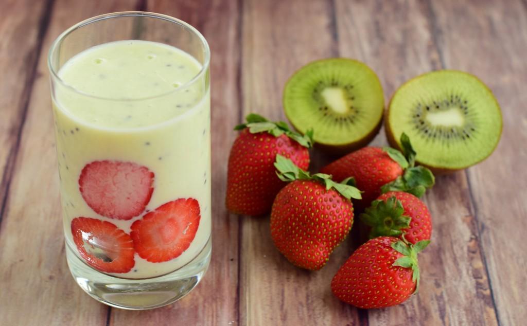 Alkaline Avocado Smoothie 1 1024x634 - 5 Best Post Workout Smoothie Recipes