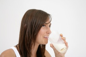 milk drink 300x200 - Home Remedies to Treat Common Winter Ailments