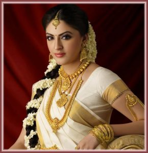 Unique Kerala wedding hairstyle 290x300 - Most beautiful South Indian wedding hairstyles for Long Hair