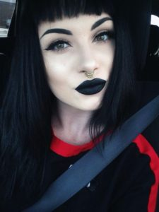 1 8 225x300 - En Route the Goth Way Makeup Styles for you!