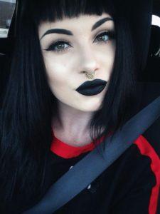 En Route the Goth Way Makeup
