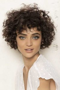 4 3 200x300 - Seven Kinds of Curly Perm Hairstyles