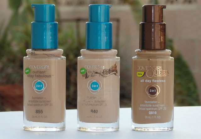 CoverGirl Outlast Stay Fabulous e1479387097119 - Find Out the Best Drugstore Foundation for Oily Skin
