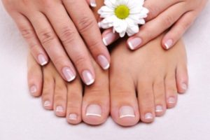 Creative French Pedicure At Home 300x200 - Creative French Pedicure At Home In An Affordable Price