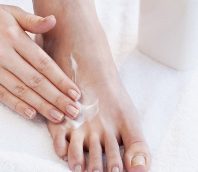Moisturize - Creative French Pedicure At Home In An Affordable Price