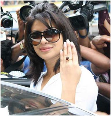 10 pictures of priyanka chopra without makeup9 - Priyanka chopra Looks In Real Life Without Makeup