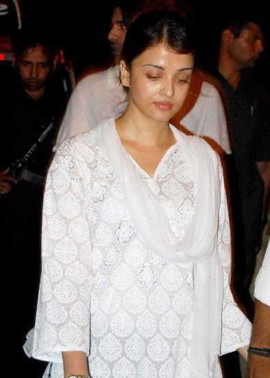 85aab09401dc0846ad17bf3cca54e56a - Aishwarya Rai Without Makeup Pictures