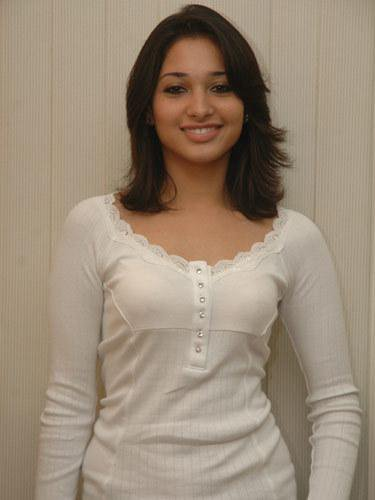 Ck1uTitXEAAr j9 - 10 Amazing Pictures Of Tamanna Without Make Up