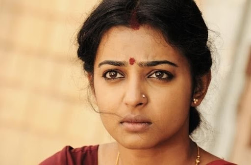 Radhika Apte cute saree 5 - Pictures Of Radhika Apte without Makeup