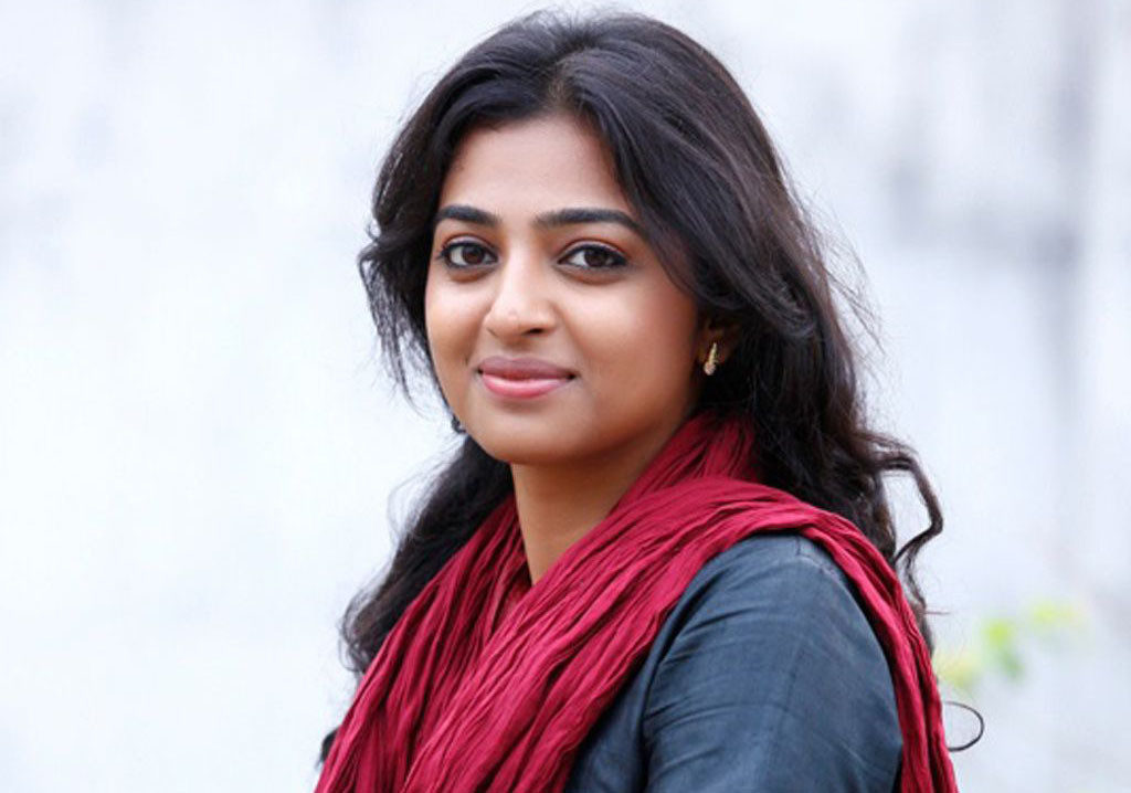 Radhika apte cute smile 1024x718 1024x718 - Pictures Of Radhika Apte without Makeup