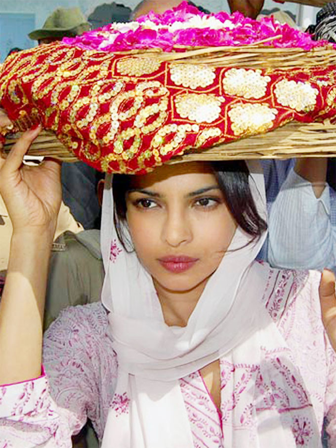 priyanka chopra in ajmer sharif - Priyanka chopra Looks In Real Life Without Makeup