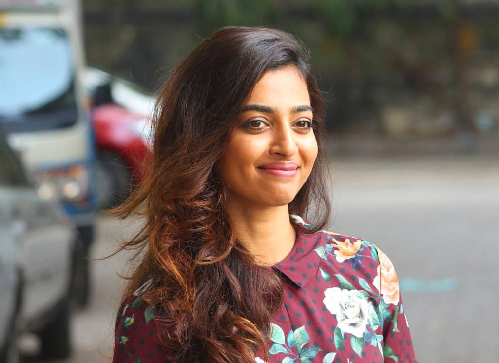radhika apte sweet smile without makeup hd kabali 1024x744 - Pictures Of Radhika Apte without Makeup