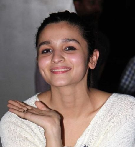 Alia Bhatt Without Makeup 3 - Alia Bhatt Without Makeup Pictures