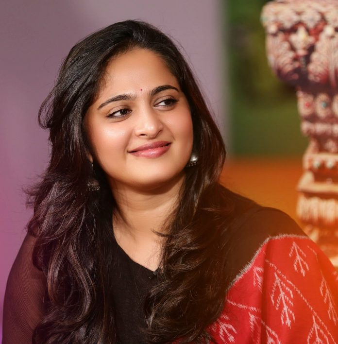 Basic Anushka Shetty's Beauty Secrets REVEALED!