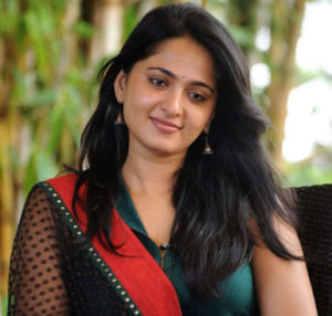 b8d2bf43f501d220afc8b393a9fb966e 300x286 - Basic Anushka Shetty's Beauty Secrets REVEALED