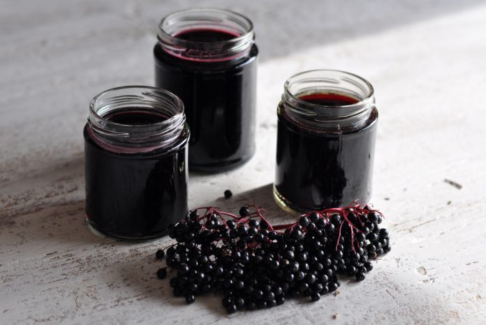 DIY Homemade Elderberry Syrup Recipe