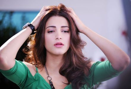 Shruti Hassan without makeup - Shruti Hassan Without Makeup Pictures - You Can't Imagine