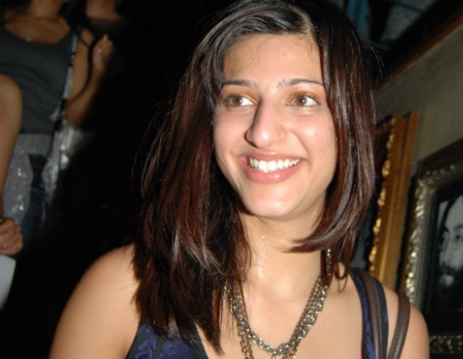 shruti haasan photos - Shruti Hassan Without Makeup Pictures - You Can't Imagine