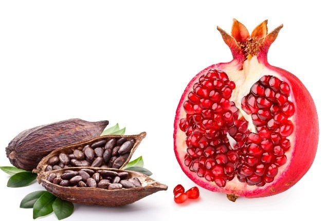 4 16 - 5 Simple Methods To Prepare Pomegranate Face Mask At Home