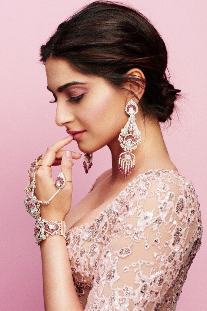 Sonam Kapoor's Beauty Fitness Tips 1 683x1024 - Secret behind Sonam Kapoor's Beauty, Fitness Tips & Diet Plan