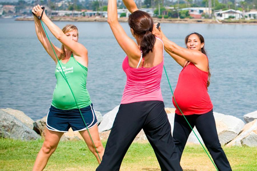 pregant exercise class - Health Benefits of Exercising during Pregnancy