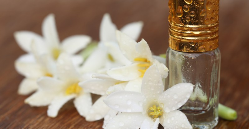 Tuberose Essential Oil - 10 Best Benefits of Tuberose Essential Oil