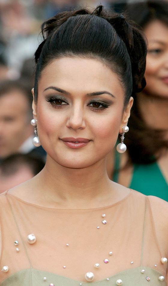 8.Pretty Zinta - 8 Indian Celebrities and Their Favorite Hairstyles