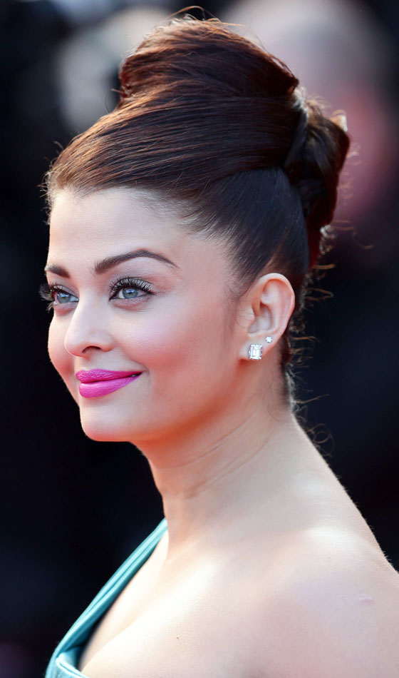 Aishwarya Rai - 8 Indian Celebrities and Their Favorite Hairstyles