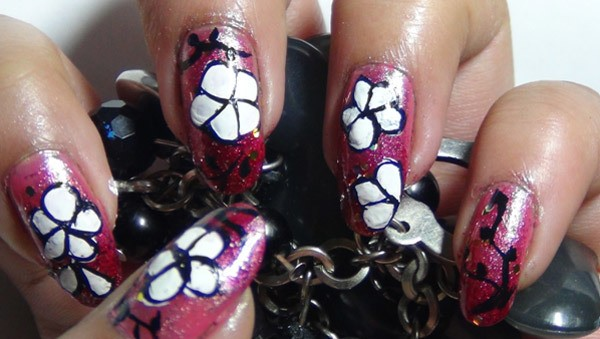 Amazing Hand Painted Nail Art Tutorial 5 - 10 Amazing Hand Painted Nail Art Designs