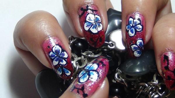Amazing Hand Painted Nail Art Tutorial 6 - 10 Amazing Hand Painted Nail Art Designs