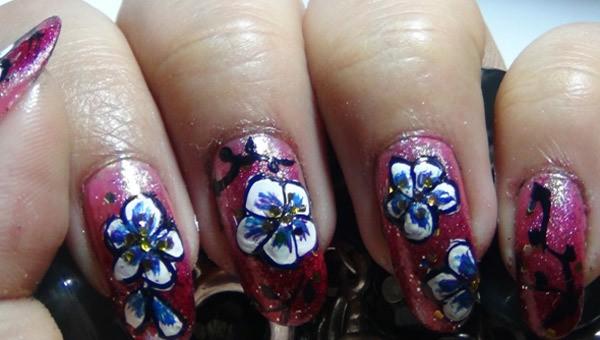 Amazing Hand Painted Nail Art Tutorial 7 - 10 Amazing Hand Painted Nail Art Designs