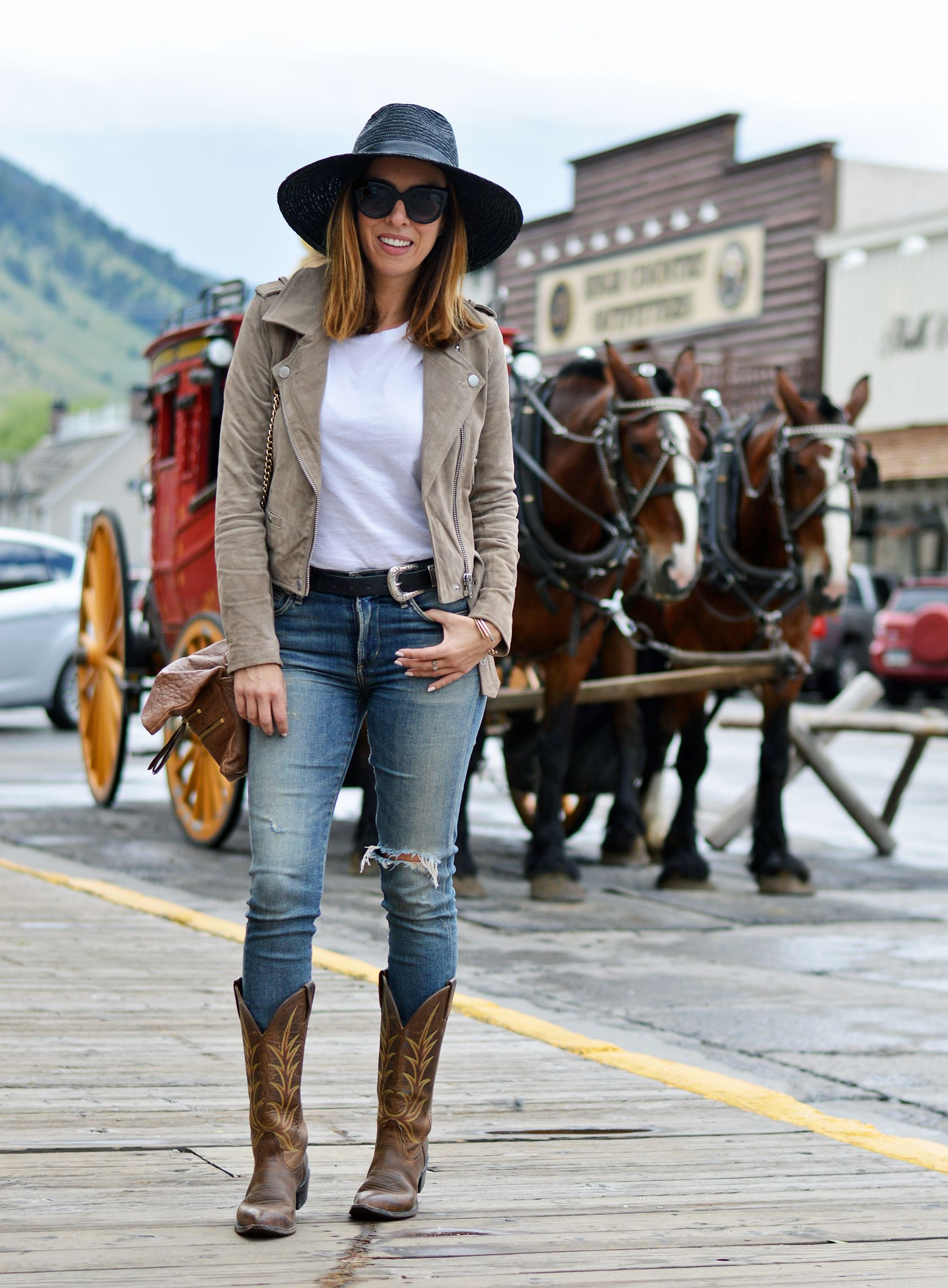 Joggers and Cowboy Boots - Try Cute Dresses to Wear With Cowboy Boots
