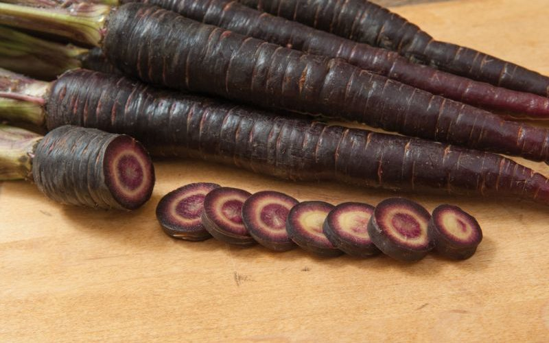 5 Surprising Benefits of Black Carrots